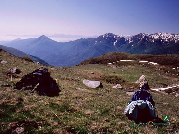3 - Il panorama che si ammira dalla sommità del colletto (2004)